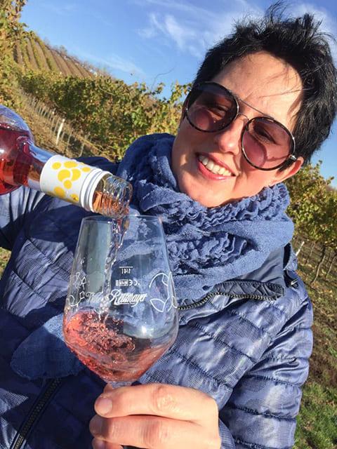 Gabi Reitmayer schenkt Rosenmuskateller Pink per se ein